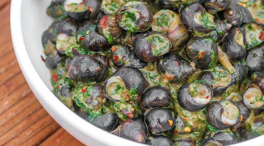 Snails-in-Coconut-Milk-with-Spinach-Recipe